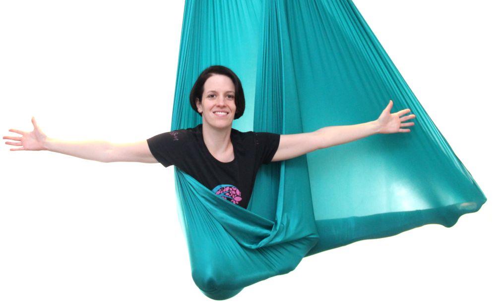 Willkommen im Aerial-Yoga-Tuch