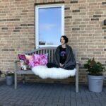 Meditiation auf Bank